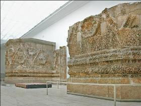 Palace of Mshatta expo3 tn